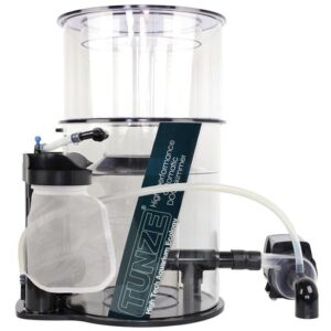 """Tunze Doc Skimmer 9460.000 Recommended for salt water aquariums up to 3,000 litres (800 US gal.). Immersion depth from 100 to 200 mm (4 to 8in.) without setting. Water flow rate: 1,500 l/h (396 US gal./h) Air capacity: 1,400 l/h (369 US gal./h) Energy consumption: 24 W, 230V/50Hz (32 W, 115V/60Hz) Skimmer cup volume: 2 litres (.5 US gal.) Dimensions of the skimmer cup including lid: ø215 x H.218 mm (8.46"""" x H. 8.58"""") Dimensions (L x W x H): 350 x 300 x 490 mm (13.8 x 11.8 x 19.3in.) Headroom required to remove skimmer cup: minimum 71 mm (2.8 in.) This skimmer needs to sit in a sump"""